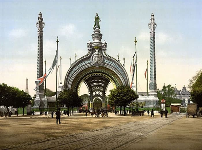 Haeckel-inspired Porte Monumentale on the Place de la Concorde, René Binet, Architect World's Fair 1900, Paris France