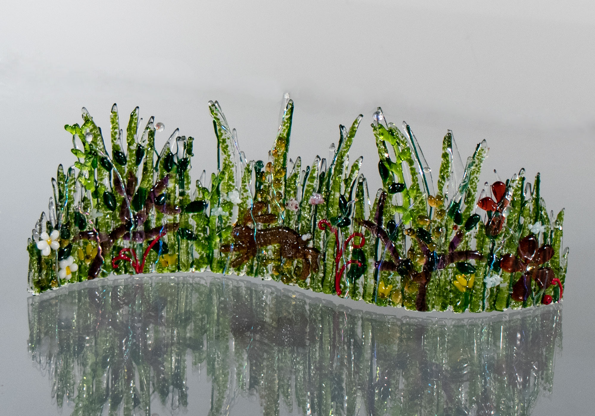 fused-glass-tabletop-curve-hare-in-meadow