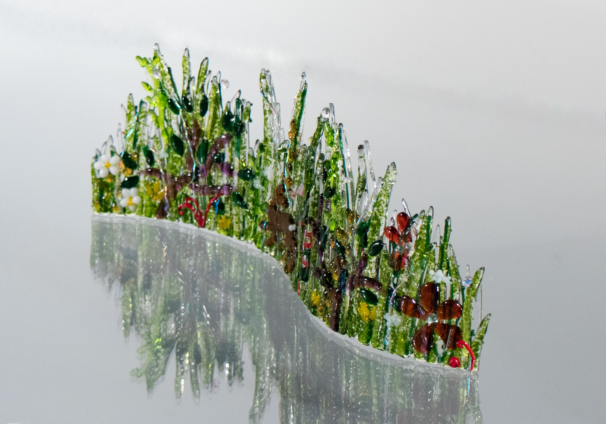 fused-glass-tabletop-curve-hare-in-meadow2