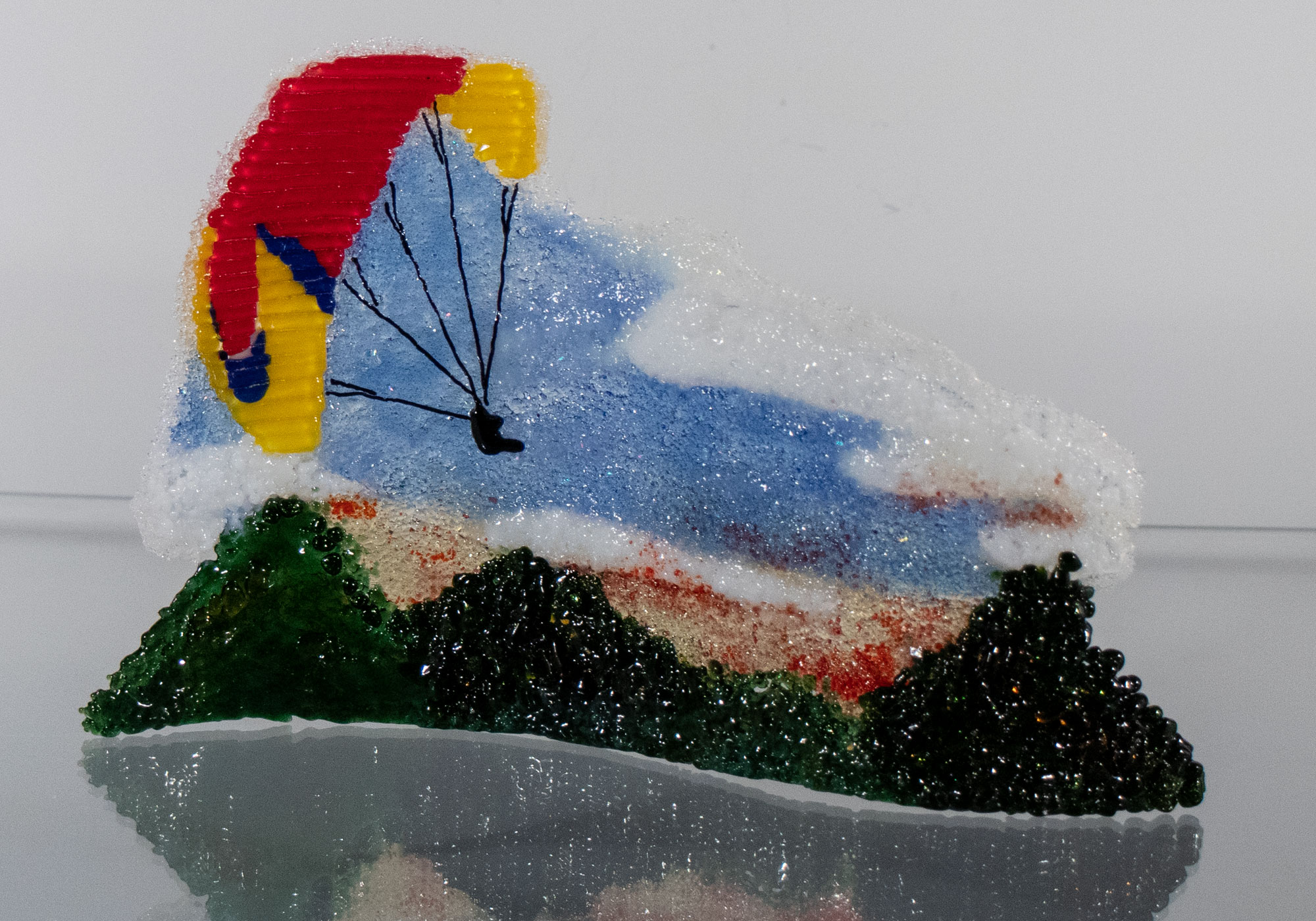 fused-glass-tabletop-curve-paragliding2