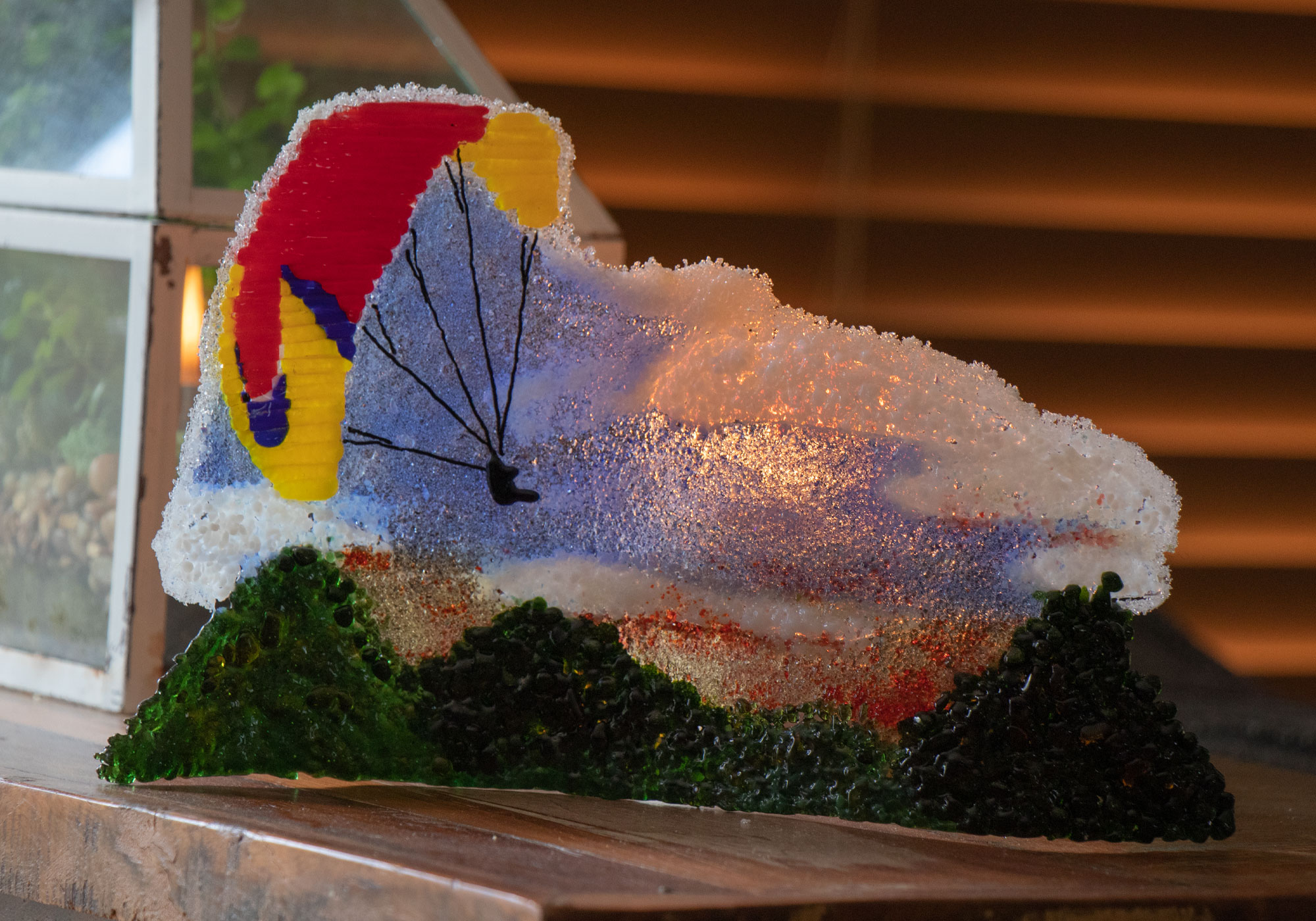 fused-glass-tabletop-curve-paragliding3
