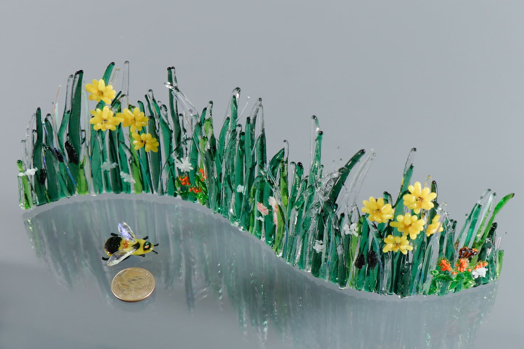 fused-glass-tabletop-curve-rusty-patch-bee-in-meadow-size